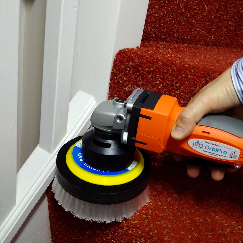 iVo carpet and upholstery brush in use