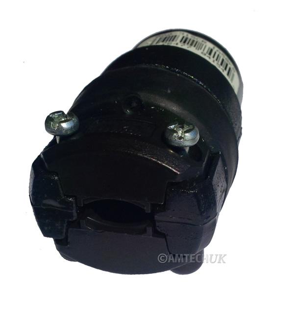 Leviton 15 AMP female plug sw150 rear view