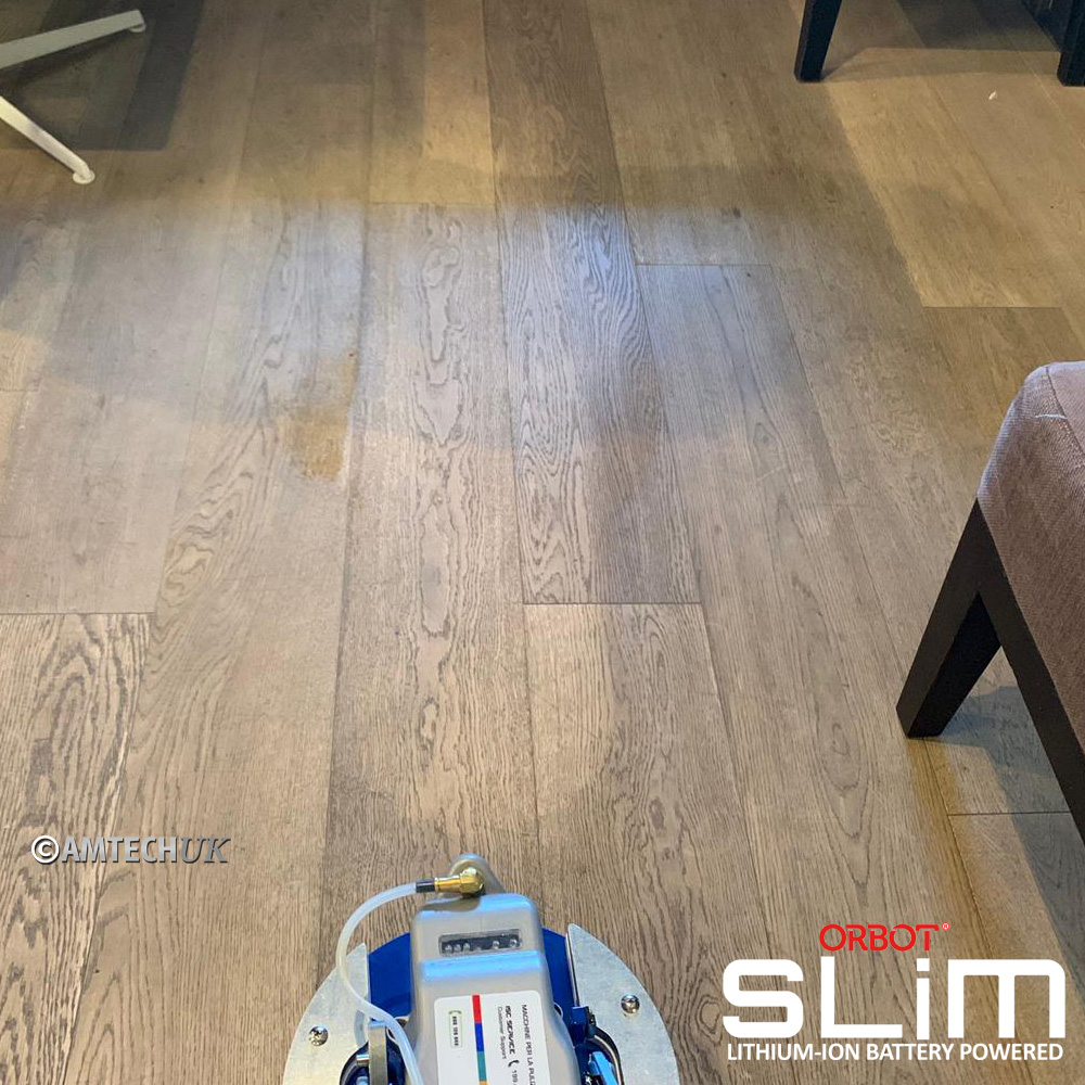 Cleaning wooden flooring with the ORBOT SLiM