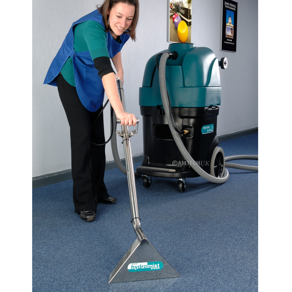 Carpet cleaner using the Hydromist 55 100ps on office carpets