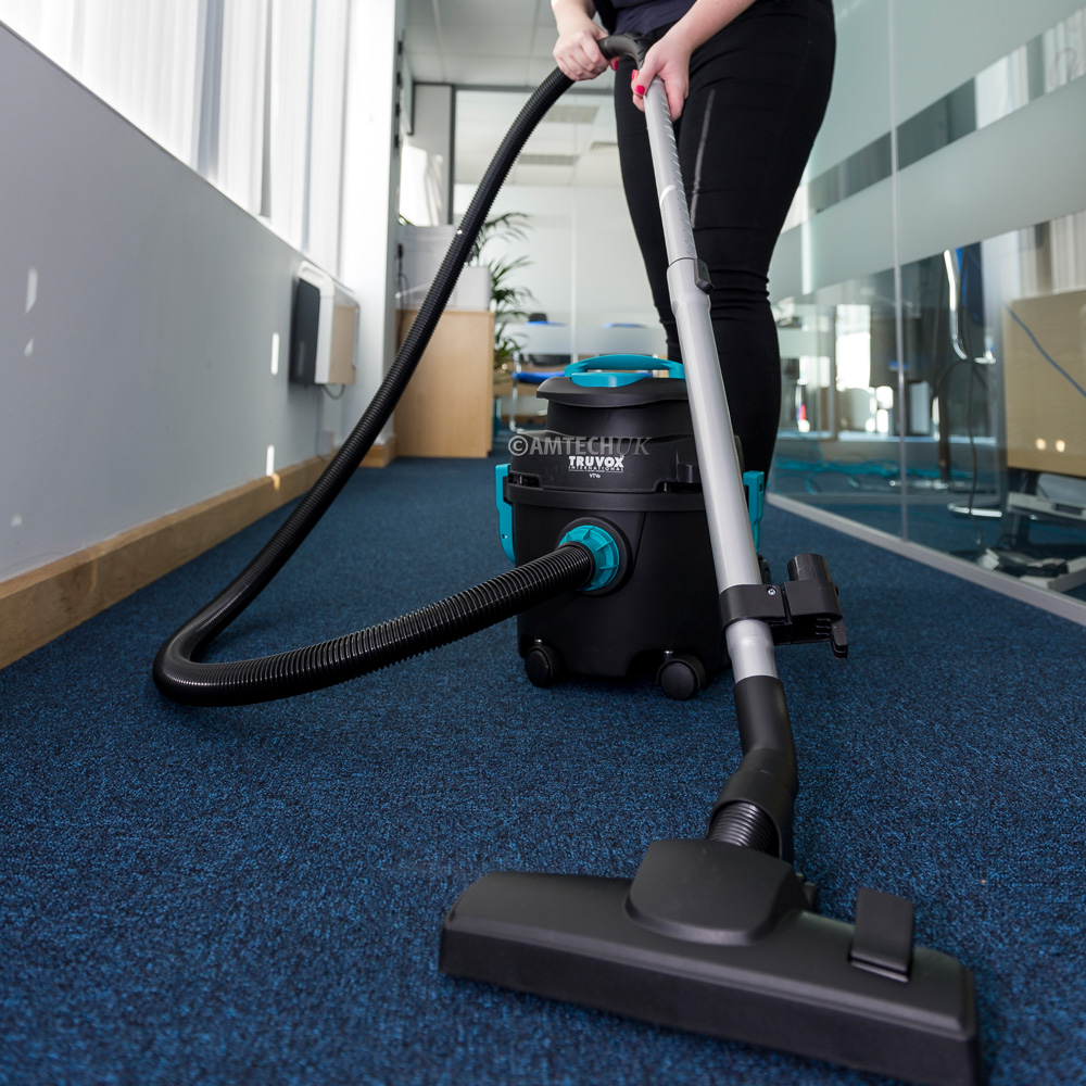 Truvox VTVe tub vacum cleaner being used to clean carpets